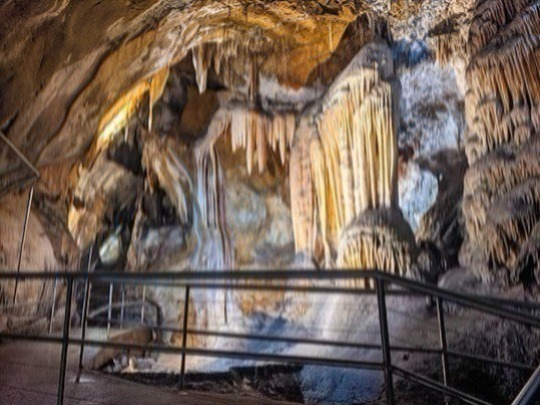 Variety and surprises! An outstanding experience. As you move deeper, the cave reveals its beauty - high caverns, amazing formations and exquisite spar crystal. Great for all ages. 